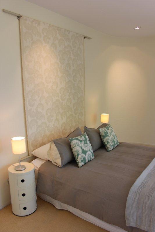 Second bedroom. Queen bed