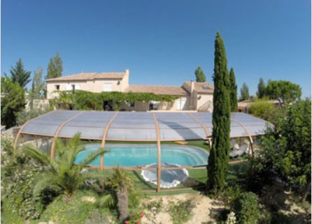 Spacious house with pool access, holiday rental in Pailhes