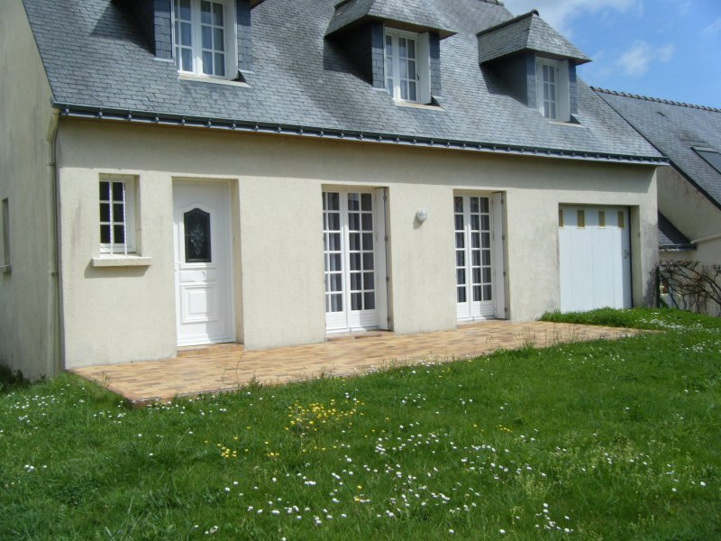 Spacious house with garden, vacation rental in Locmariaquer