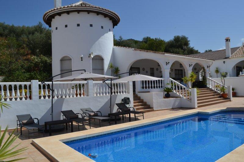 Fantastische Luxe Villa in een prachtige omgeving voor 6 personen, alquiler vacacional en Periana