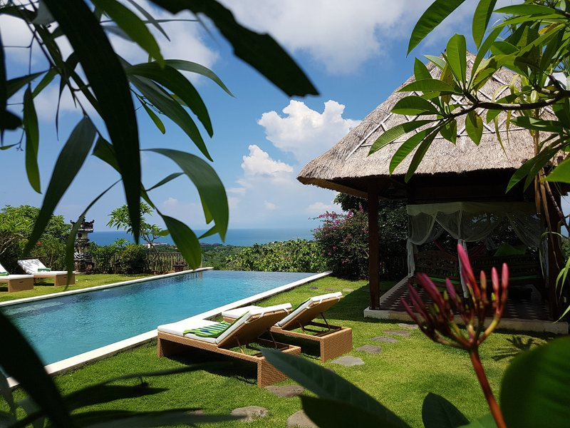 Villa Achara - 5 Bedr Villa with Ocean Views and Infinity Pool, vacation rental in Uluwatu