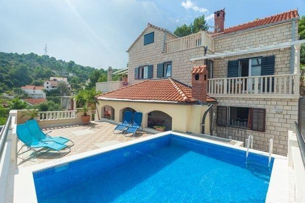 Ferienhaus 4298-1 für 10 Pers. in Postira, holiday rental in Kuciste