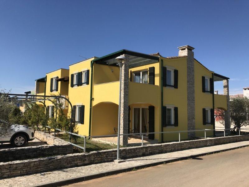 Apartment 4264-1 for 4 Pers. in Savudrija, casa vacanza a Savudrija