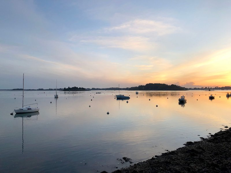 Grande villa, calme, 100 m du Golfe du Morbihan, location de vacances à Plougoumelen