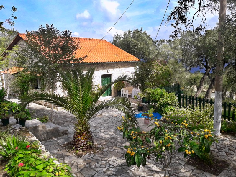 Galaxy House, holiday rental in Loggos