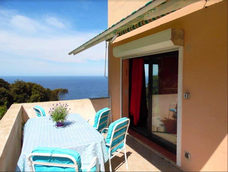 Beautiful apt with sea view & Wifi, holiday rental in Macinaggio