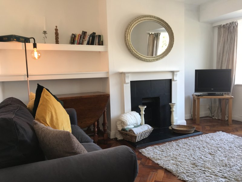 2 bed apartment Ideal for London and Harry Potter, vacation rental in Northwood