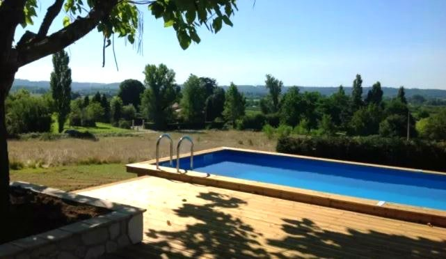 Nice villa with swimming-pool, vacation rental in Montazeau