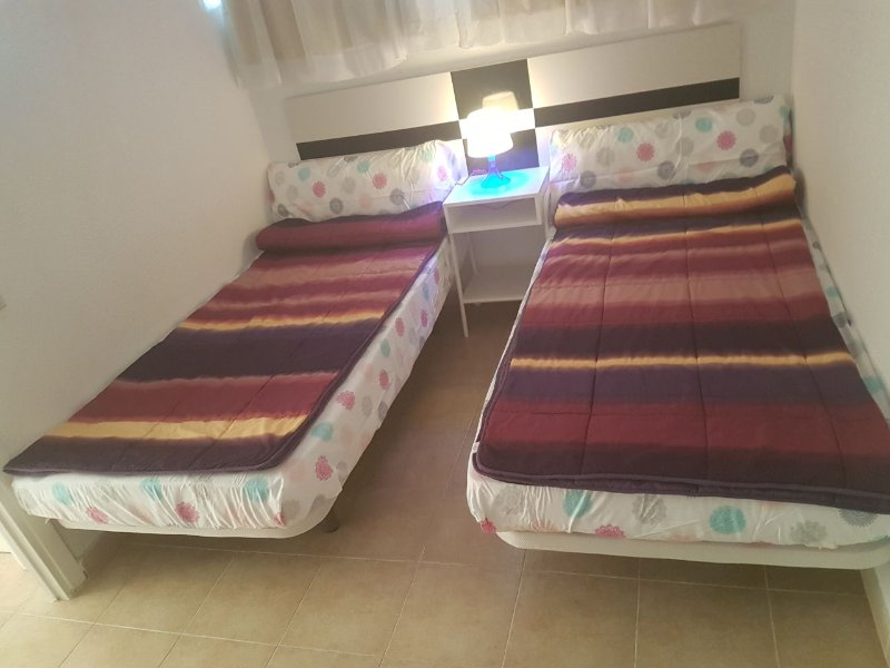 Sala 2: 90x1.90 camas