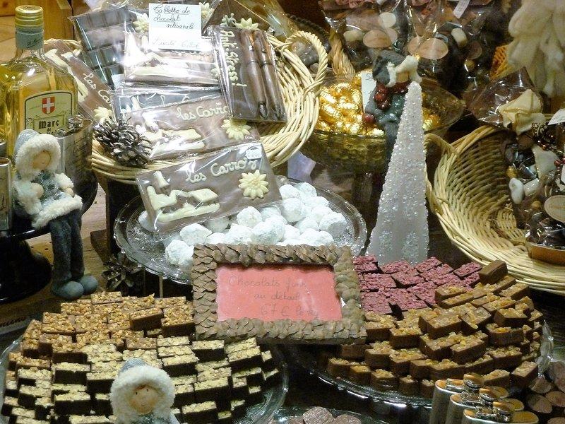tienda de chocolate en el pueblo