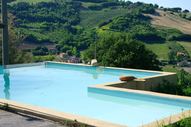 Spacious villa with swimming-pool, holiday rental in Borgo Pace