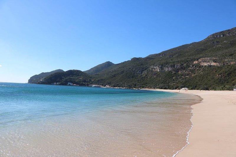 Portinho beach 10 minutes walk from the house