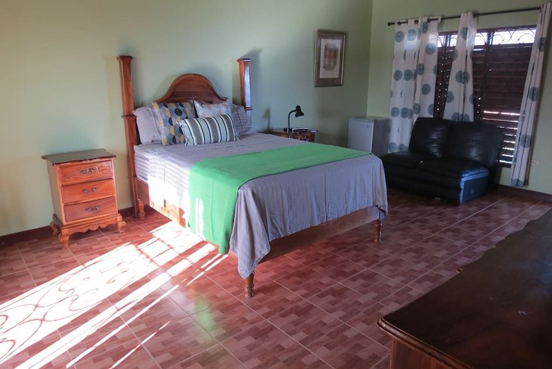 Villa for rent, vacation rental in Discovery Bay