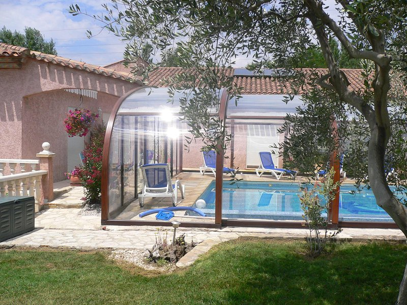 Amazing apt with shared pool & Wifi, vacation rental in Beziers