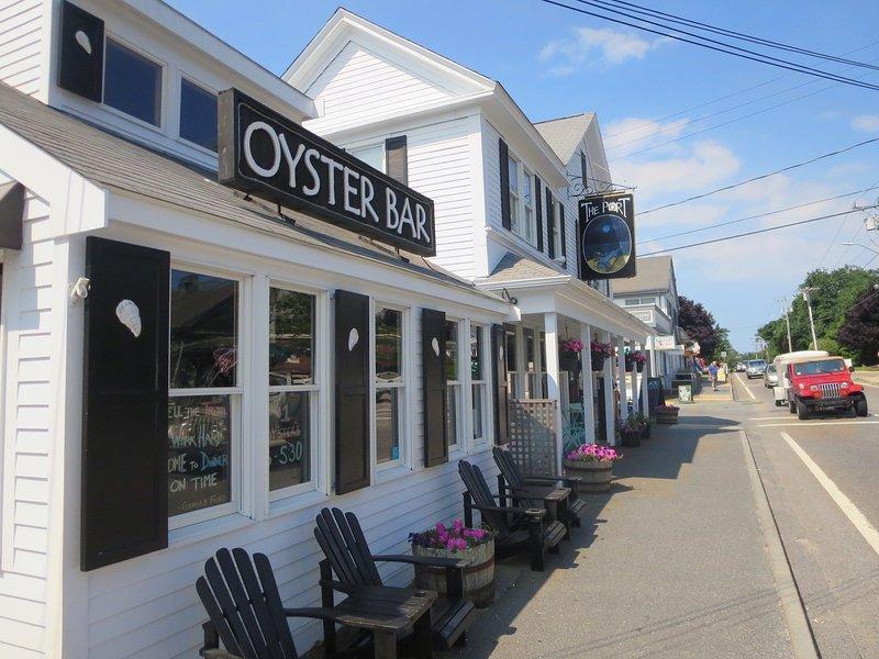 Erkunden Sie den Hafen von Harwich mit vielen Restaurants und Geschäften, nur eine kurze Autofahrt entfernt! - Harwich Port Cape Cod Ferienwohnungen in New England