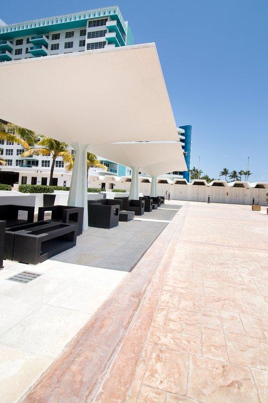 piscina area lounge