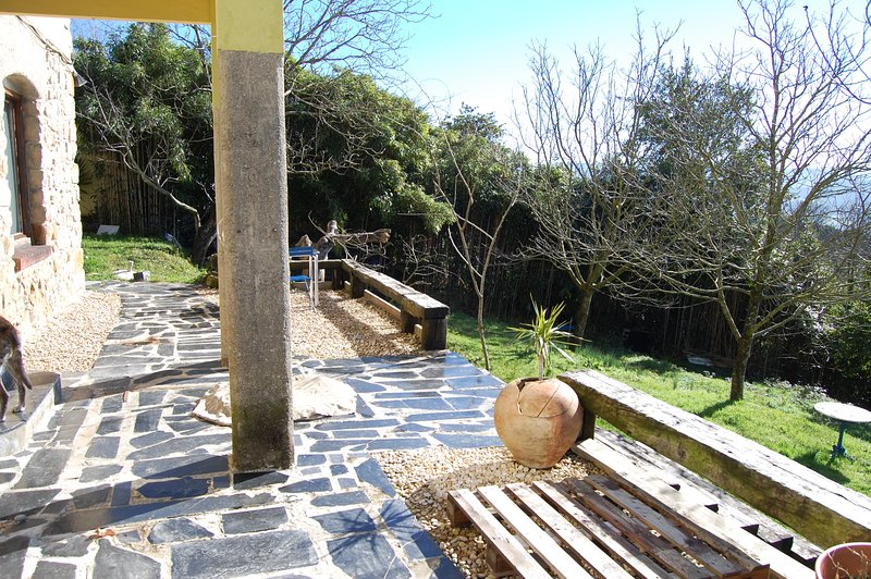 Spacious chalet with terrace & Wifi, casa vacanza a Pasajes