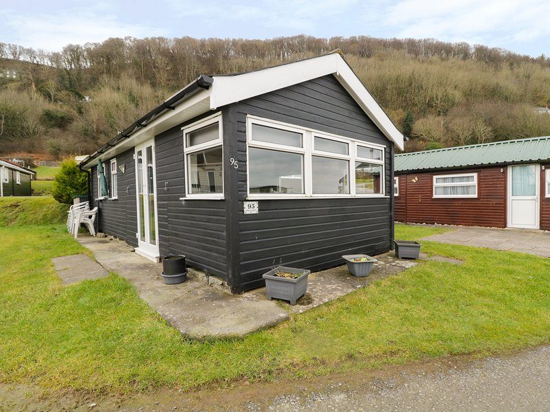 CHALET 95, detached, on-site facilities, beach nearby, two bedrooms, nr, location de vacances à Aberystwyth