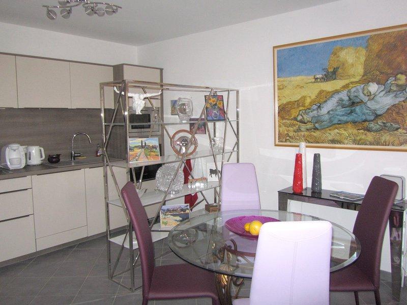 Amazing apartment with garden, location de vacances à Île-Rousse