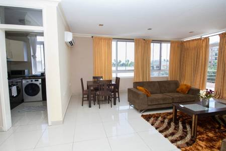 Accra Short Stay East legon, location de vacances à Legon