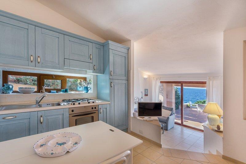 Villetta Cristallo a suite with amazing sea view, aluguéis de temporada em Costa Paradiso