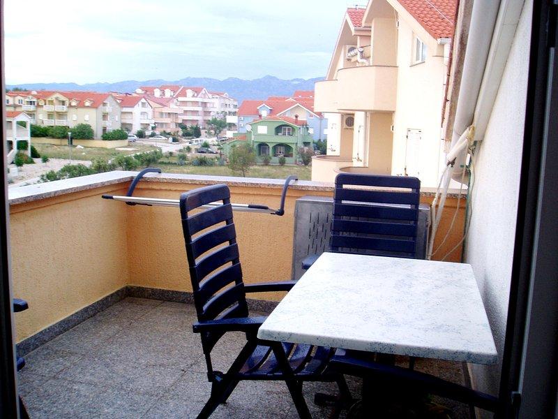 Nice apartment with sea view & Wifi, vacation rental in Povljana