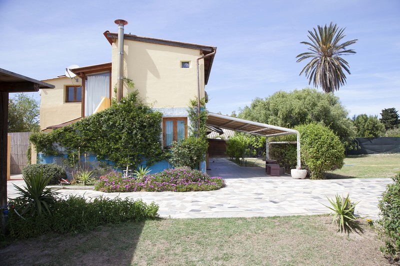 Holiday House Anna, holiday rental in Cagliari