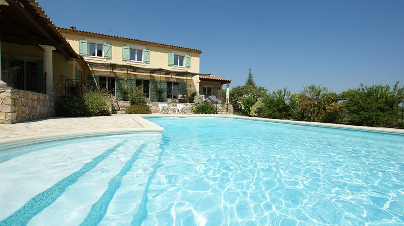 In Seillans, Var, beautiful holiday home 12P. with pool, nice park, holiday rental in Seillans