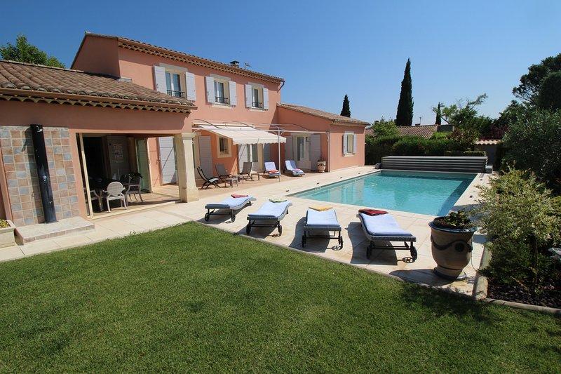 Near Avignon, modern and spacious villa in Jonquerettes, heated pool, holiday rental in Saint Saturnin les Avignon