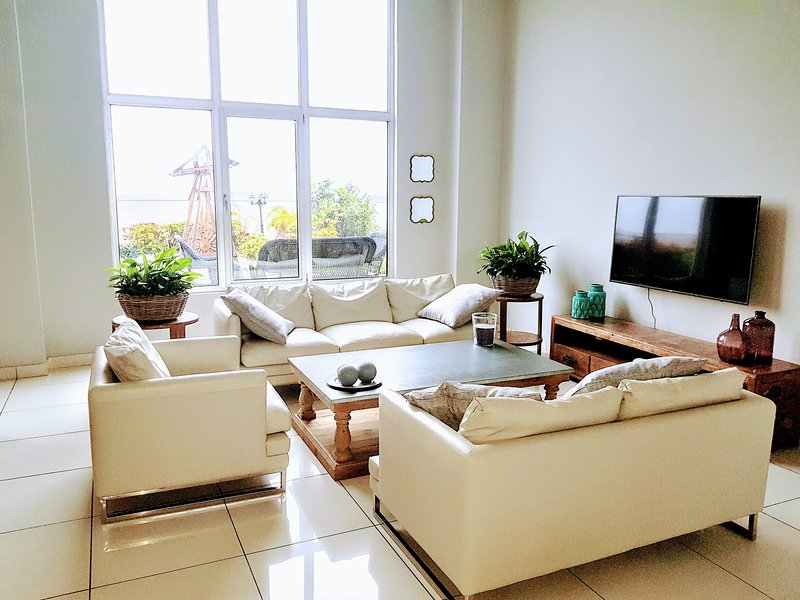 Accra Short Stay luxury airport residences, vacation rental in Accra