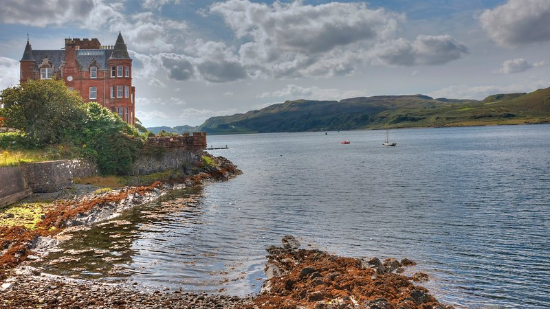 The Turret – luxury sea view apartment, holiday rental in Oban