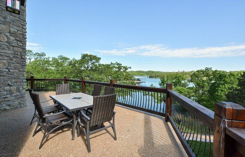 Cenas al aire libre en la cubierta superior con magníficas vistas!