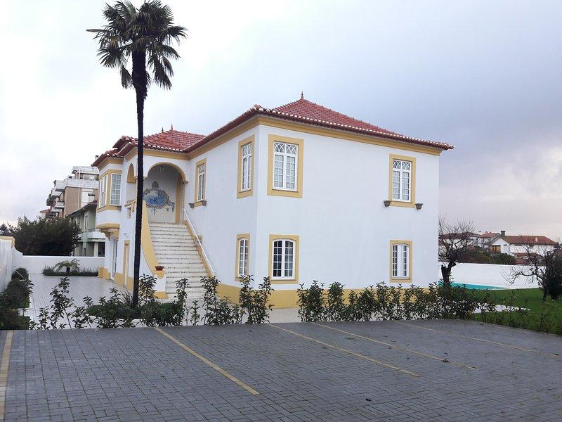 Vista della casa Solar da Vila e parcheggio privato.