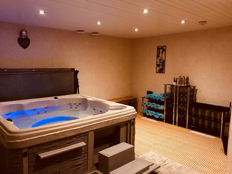 your own indoor spa room with gorgeous hot tub - perfect for relaxing no matter what the weather!