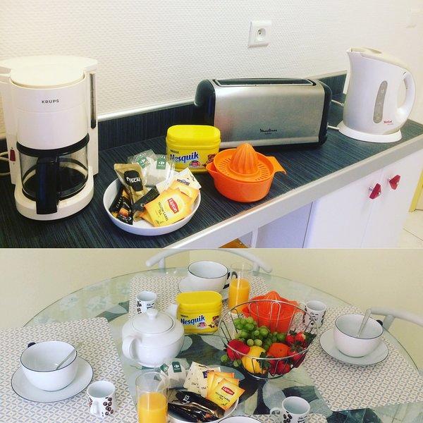 The small breakfast tea or coffee, chocolate