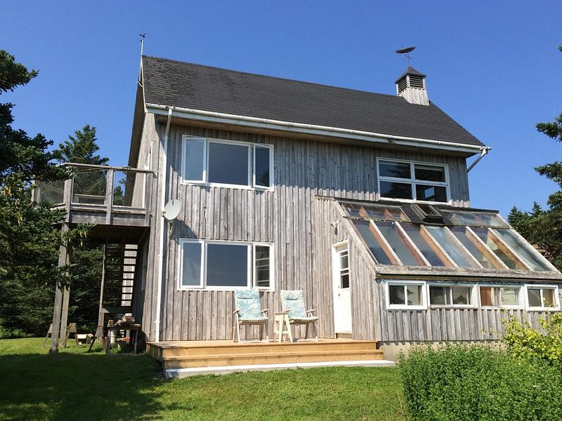 Black Point Cottage, holiday rental in East Port L'Hebert