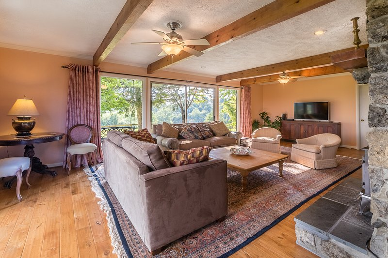 Spacious living room with queen sofa bed. Decking all around, Views, views, views