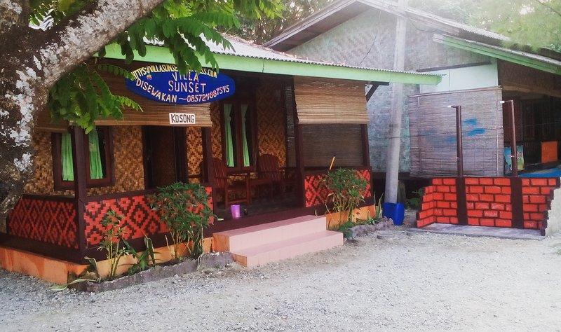 Villasunset villa pinggir pantai pemandangan laut, aluguéis de temporada em Sukabumi
