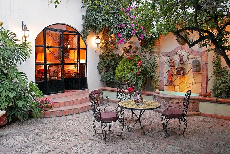 Casa Christina - Art & Gardens, holiday rental in Guanajuato