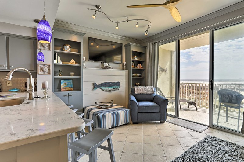 Break for the beach at this oceanfront Dauphin Island vacation rental condo!