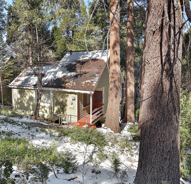 Lake Gregory Paradise Has Parking And Wi-Fi