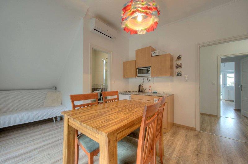 Hilltop Apartment 1, casa vacanza a Kaptalantoti