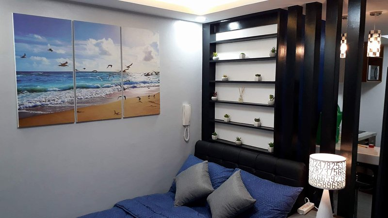 Newly Furnished Studio w/ 25mbps Great City View., alquiler vacacional en Pasig