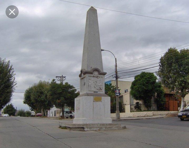 Monument Diego Portales, se référant à s'installer à 50 mètres de l'emplacement est.