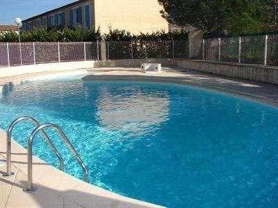 piscina exterior compartida