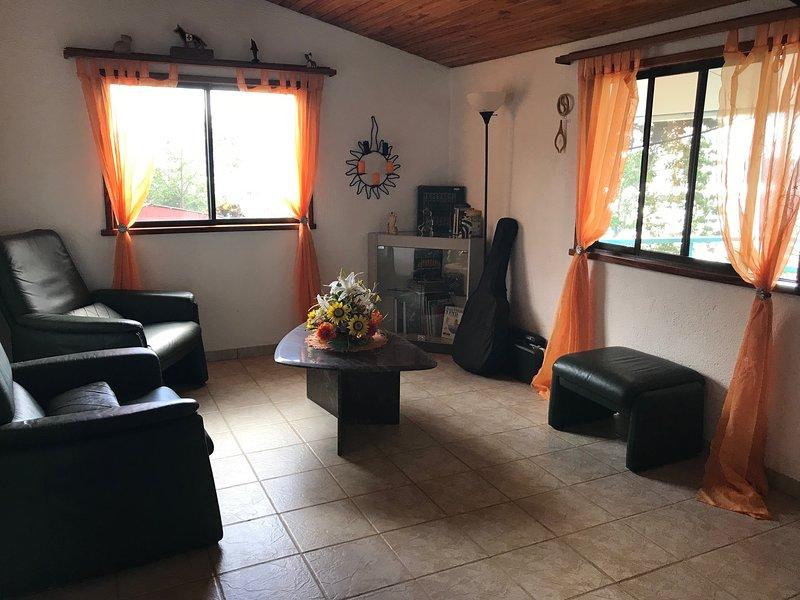Casa Lobo, Casita Suizo, aluguéis de temporada em Cano Negro