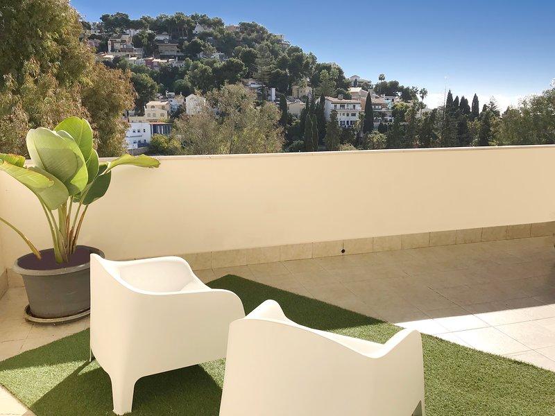 Fantastico apartamento de 2 dormitorios a 600 metros de la Playa, vacation rental in Pedregalejo