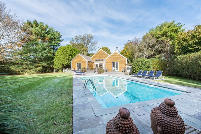 Bridgehampton South, Village Gem.  Location, Location, Location!, vacation rental in Sagaponack