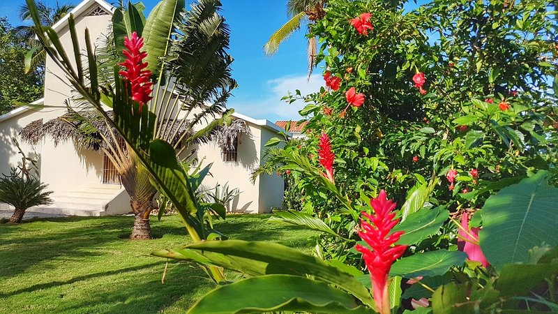 Casa Cayena, caribbean home for 6 close to beaches, vacation rental in Las Galeras
