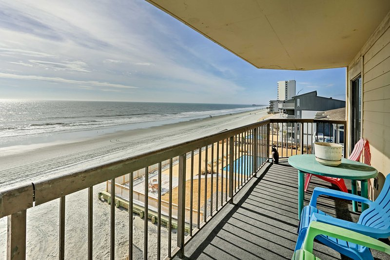 Come stay at this 2-bedroom, 2-bath vacation rental condo.